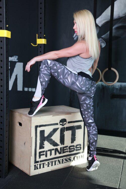 Женская майка для фитнеса M-32