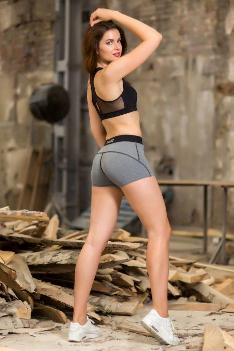 Женские спортивные шорты H41