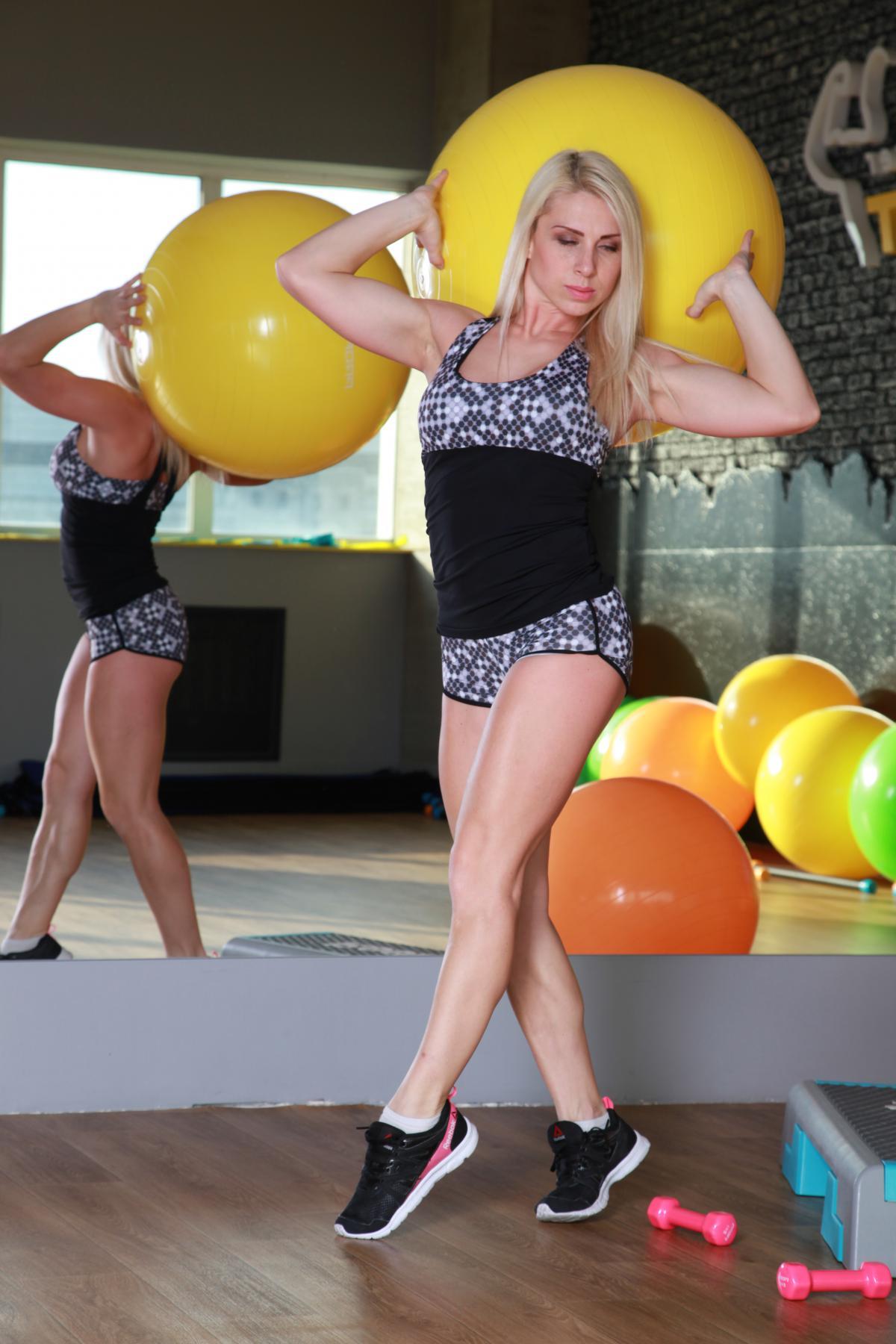 Женская спортивная майка M-11 с принтом
